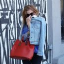 Isla Fisher – Grabs Food At Gracias Madre in Los Angeles 12/2/ 2016 - 454 x 471
