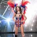 Nena France- Miss Universe 2015 Preliminary Round- National Costume - 370 x 481