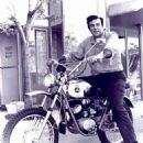 Mike Connors - 454 x 553