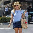Reese Witherspoon – Shopping At Pacific Palisades