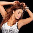 Rosa Mendes - 355 x 384