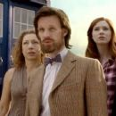 Doctor Who - Series 6 - Day of the Moon (2011) - 454 x 255