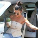 Kourtney Kardashian – Seen Out in Los Angeles - 454 x 659