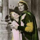 Olivia de Havilland and Errol Flynn - 454 x 547