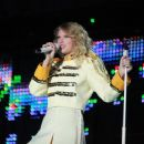 Taylor Swift - Fearless Tour Concert Craven Country Jamboree, 10.07.2009.