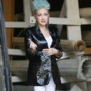 Cyndi Lauper – Filming Commercial in New York City - 454 x 810