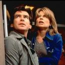 Linda Hamilton and Pierce Brosnan