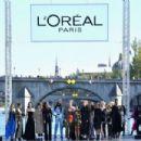 Doutzen Kroes – L'Oreal Runway Show in Paris