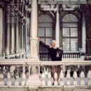 Carmen Kass featured in New Girl In Town, December 2014