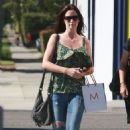 Emily Blunt: Pretty At The Pump