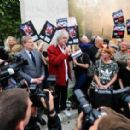 Brian May leads an anti-fox hunting rally for PETA on July 14, 2015 in London, England. - 454 x 282