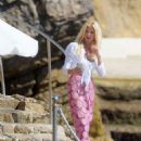 Victoria Silvstedt at Hotel du Cap in Antibes - 454 x 625