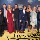 Kaitlin Olson – 'It's Always Sunny In Philadelphia' Premiere in Hollywood - 454 x 333