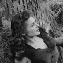 Joyce MacKenzie - 454 x 673