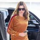 Anne Hathaway at JFK Airport in New York - 454 x 584