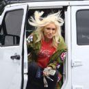 Gwen Stefani – Arrives to the studio in Los Angeles - 454 x 683