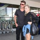 Robin Thicke is seen at LAX - 430 x 600