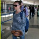 Alyssa Milano - Arrives At LAX Airport In Los Angeles, 22 August 2008