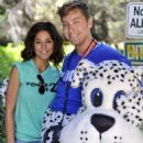 Emmanuelle Chriqui walking Lance Bass dressed as a dog in Runyon Canyon in Los Angeles, CA (July 9) - 454 x 669