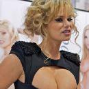 Shyla Stylez - 334 x 500