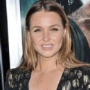 Camilla Luddington – 'Tomb Raider' Premiere in Hollywood - 454 x 608