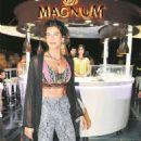Berrak Tüzünataç - Magnum Bodrum Store Opening Party - 454 x 707