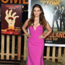 Abigail Breslin – 'Zombieland: Double Tap' Premiere in Westwood - 454 x 660