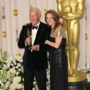 Christopher Plummer and Melissa Leo At The 84th Annual Academy Awards - Press Room (2012) - 418 x 594