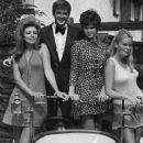 Roger Moore, Veronica Carlson, Martha Hyer,