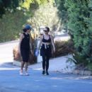 Jennifer Meyer – Out for a walk with a friend in Santa Monica - 454 x 303