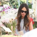 'Furious 7' actress Jordana Brewster went to the farmer's market with her family in Los Angeles, California on August 21, 2016 - 454 x 511