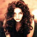 Claudia Ohana - 454 x 810