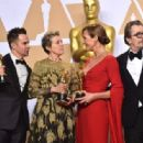Sam Rockwell, Frances McDormand, Alison Janney and Gary Oldman At The 90th Annual Academy Awards - Press Room (2018) - 454 x 316