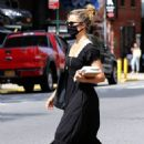 Dianna Agron – Spotted without her wedding ring while out in Downtown Manhattan