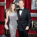 Rita Wilson and Tom Hanks - 395 x 594