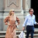 Kelly Rutherford – Shopping in Milan
