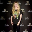 Avril Lavigne – Westwood One Radio Roundtables in LA - 454 x 671