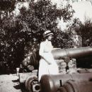 Grand Duchess Tatiana Nikolaevna of Russia with old cannons in Sevastopol. - 454 x 442