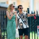 Sophie Turner – Taking Porky to McCarren Park in Brooklyn