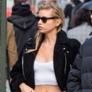 Stella Maxwell – Heads to lunch at The Smile in NYC - 454 x 681