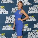 Blake Lively At The 2011 MTV Movie Awards - 382 x 594