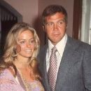 Farrah Fawcett and Lee Majors - 192 x 286