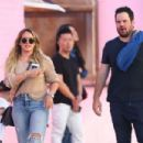 Hilary Duff – In jeans out in Los Angeles - 454 x 303