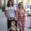 Dave Grohl and his wife Jordyn Blum take their daughter Violet out shopping in Beverly Hills - 407 x 594