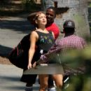 Kate Hudson on the set of her new movie 'Sister' in Los Angeles - 454 x 624