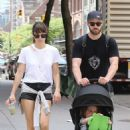 Jessica Biel and Justin Timberlake go for a walk in Tribeca - 454 x 679