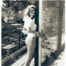 Yvette Vickers - 454 x 569