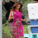 Eva Longoria Parker - Eva Longoria In Pink Dress On Set Of 'Desperate Housewives' - Oct 5 2010