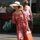 Emmy Rossum – Shopping at the Farmers Market in Los Angeles - 454 x 681
