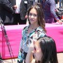 Jenna Ortega – World Premiere Of 'Hotel Transylvania 3: Summer Vacation' - 450 x 600